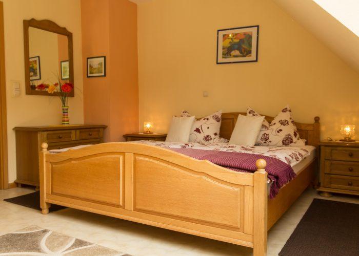 Bild vom Schlafzimmer der Ferienwohnung 2 des Haus Wiesenttals